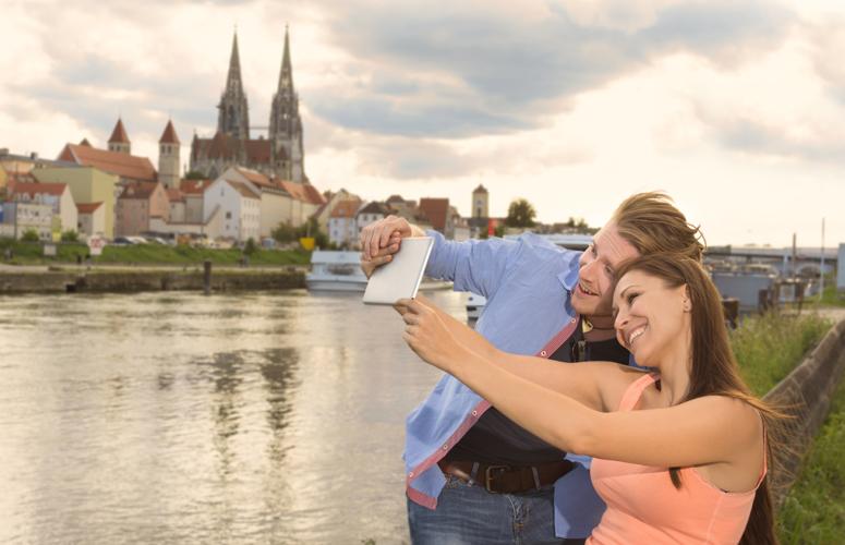 Domkulisse an der Donau in Regensburg