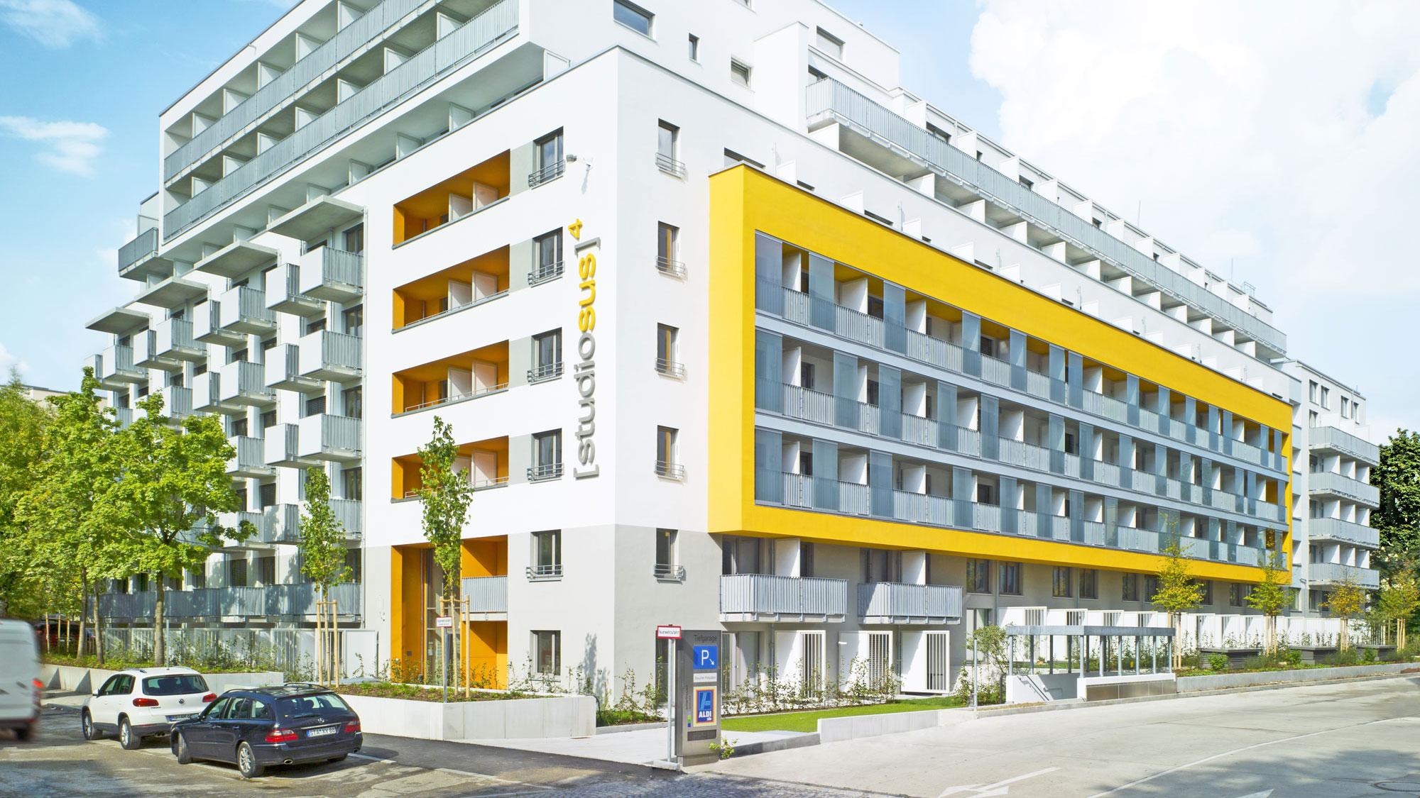 Neubauprojekt studiosus 4 in München - Außenansicht der Wohnanlage mit Studentenwohnungen in zentraler Lage